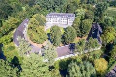 Luchtmening van kasteel Morsbroich in Leverkusen royalty-vrije stock afbeeldingen