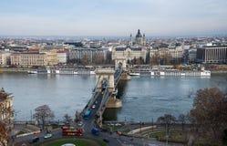 Luchtmening van Kettingsbrug op de Rivier van Donau stock afbeeldingen