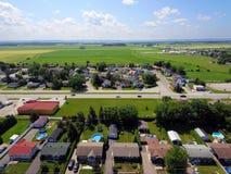 Luchtmening van kleine Canadese stad stock fotografie