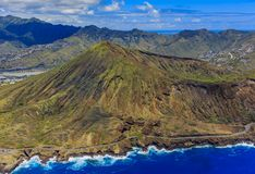 Luchtmening van Koko Head-vulkaankrater en lagune in Honolulu H Stock Foto