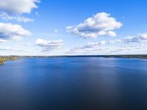 Luchtmening van kust met strand, lagunes Kustlijn met zand en water Landschap Lucht Photography birdseye Hemel, wolken royalty-vrije stock foto