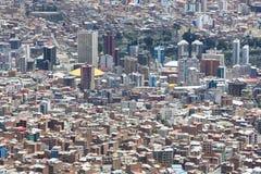 Luchtmening van La Paz in Bolivië met vele woon en bureau Royalty-vrije Stock Foto's
