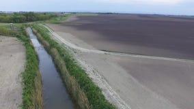 Luchtmening van landbouwgebieden stock video