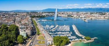 Luchtmening van Leman-meer - de stad van Genève in Zwitserland royalty-vrije stock afbeeldingen