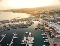 Luchtmening van Limassol Jachthaven, Cyprus stock afbeeldingen