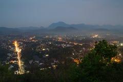 Luchtmening van Luang Prabang bij schemer Stock Afbeeldingen