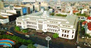 Luchtmening van Mandiri-de bouw van het Bankmuseum stock video