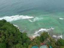Luchtmening van Manukan-Eiland Sabah, Maleisië Duidelijke groene oceaan Het Manukaneiland is het meest bezochte eiland in Sabah Royalty-vrije Stock Foto