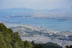 Luchtmening van Meer Biwa en cityscape royalty-vrije stock afbeelding