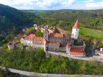Luchtmening van Middeleeuws kasteel Krivoklat in Tsjechische republiek Stock Afbeelding
