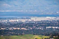 Luchtmening van NASA Ames Research Center en Moffett-gebied stock foto