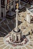 Luchtmening van Onze Vaderkolom en mensenrand in Londen, Stock Afbeeldingen