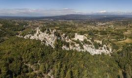 Luchtmening van oppede-le-Vieux, een spookdorp in zuidoostelijk Frankrijk stock fotografie