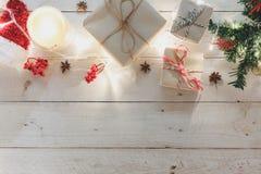 Luchtmening van ornamenten en decoratie Vrolijke Kerstmis en Gelukkig Nieuwjaar Royalty-vrije Stock Fotografie