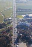 Luchtmening van Otopeni stad stock foto's
