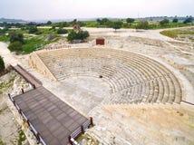 Luchtmening van oud theater van Kourion stock afbeelding