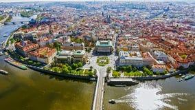 Luchtmening van Oude de Stadscityscape van Praag in Tsjechische Republiek Stock Foto