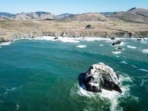 Luchtmening van Overzeese Stapels van de Noordelijke Kust van Californië stock afbeelding