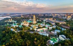 Luchtmening van Pechersk Lavra in Kiev, de hoofdstad van de Oekraïne royalty-vrije stock foto