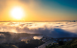 Luchtmening van San Francisco boven de mist Royalty-vrije Stock Foto's