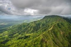 Luchtmening van spectaculaire wildernissen, Kauai, Hawaï stock fotografie