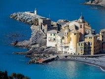 Luchtmening van stad van Camogli, Genoa Genova-provincie, Ligurian riviera, Mediterrane kust, Italië royalty-vrije stock foto