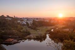 Luchtmening van Tangua-Park en Curitiba-Stad bij zonsondergang - Curitiba, Parana, Brazilië Stock Fotografie