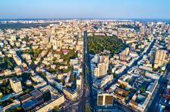 Luchtmening van Taras Shevchenko Boulevard in Kiev, de Oekraïne stock foto