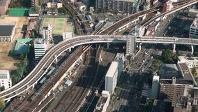 Luchtmening van verkeer in Osaka, Japan stock footage