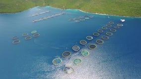 Luchtmening van viskwekerij dichtbij het Eiland Dugi otok stock videobeelden