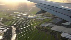 Luchtmening van vliegtuigvenster stock footage