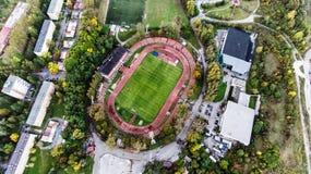 Luchtmening van voetbalstadion in stad, Banska Bystrica, Slowaak Royalty-vrije Stock Fotografie