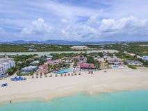Luchtmening van Weidenbaai in Anguilla Caraïbisch Strand, stock foto