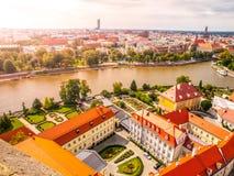 Luchtmening van Wroclaw van toren van Kathedraal van St John Doopsgezind, Polen stock afbeelding