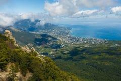 Luchtmening van Yalta-stad van berg ai-Petri in de Krim Stock Afbeeldingen