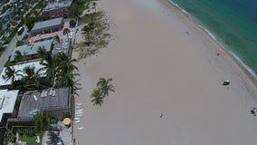 Luchtmening van zandig strand stock footage
