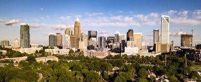 Luchtmenings Lang Panoramisch Schot van Charlotte North Carolina Downtown royalty-vrije stock fotografie