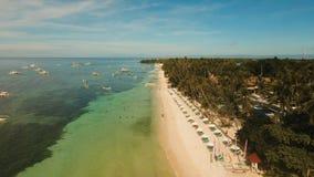 Luchtmenings mooi strand op een tropisch eiland Filippijnen, Anda-gebied stock afbeeldingen