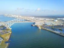Luchtmeningscorpus Christi Harbor Bridge in de Haven van Corpus C royalty-vrije stock foto's