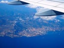 Luchtmeningsmiddellandse zee van vliegtuig, bergenalpen, Franse Riviera, Kooi D ` Azur, Nice, villefranche-sur-MER, Monaco Monte Stock Afbeelding