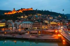 Luchtnachtmening van Oud Tbilisi, Georgië Stock Afbeeldingen