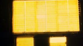 Luchtoverzicht van lichtgevende serres stock video
