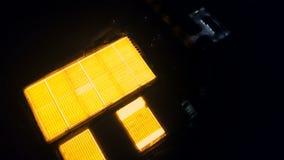 Luchtoverzicht van lichtgevende serres stock videobeelden