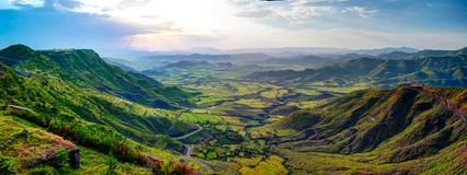Luchtpanorama van de bergen en de vallei van Semien rond Lalibela, Ethiopië stock foto's