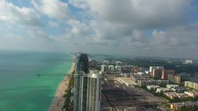 luchtpanorama 360 van Sunny Isles Beach in Miami stock footage