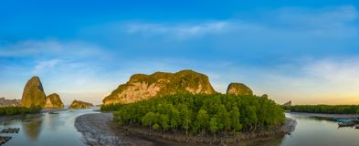 Luchtpanoramamening boven de archipel van Samed Nangshe royalty-vrije stock fotografie