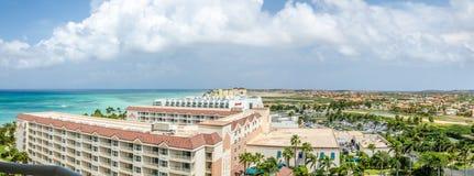 Luchtpanoramamening van hotels die Aruba inbouwen Stock Afbeeldingen
