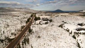Luchtperspectief over Weg 20 Oost- Zwarte Butte in de Afstand royalty-vrije stock foto's