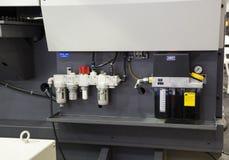 luchtregelgever en de tank van de smeringsolie stock afbeelding