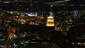Luchttimelapse, de stadscentrum van San Antonio in het donker 4K stock videobeelden